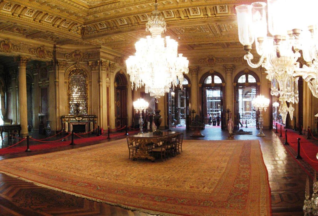Hereke tapijt in het Dolmabahçe paleis