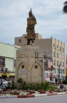 Monument van Süleyman Kutalmişoğlu in Tarsus