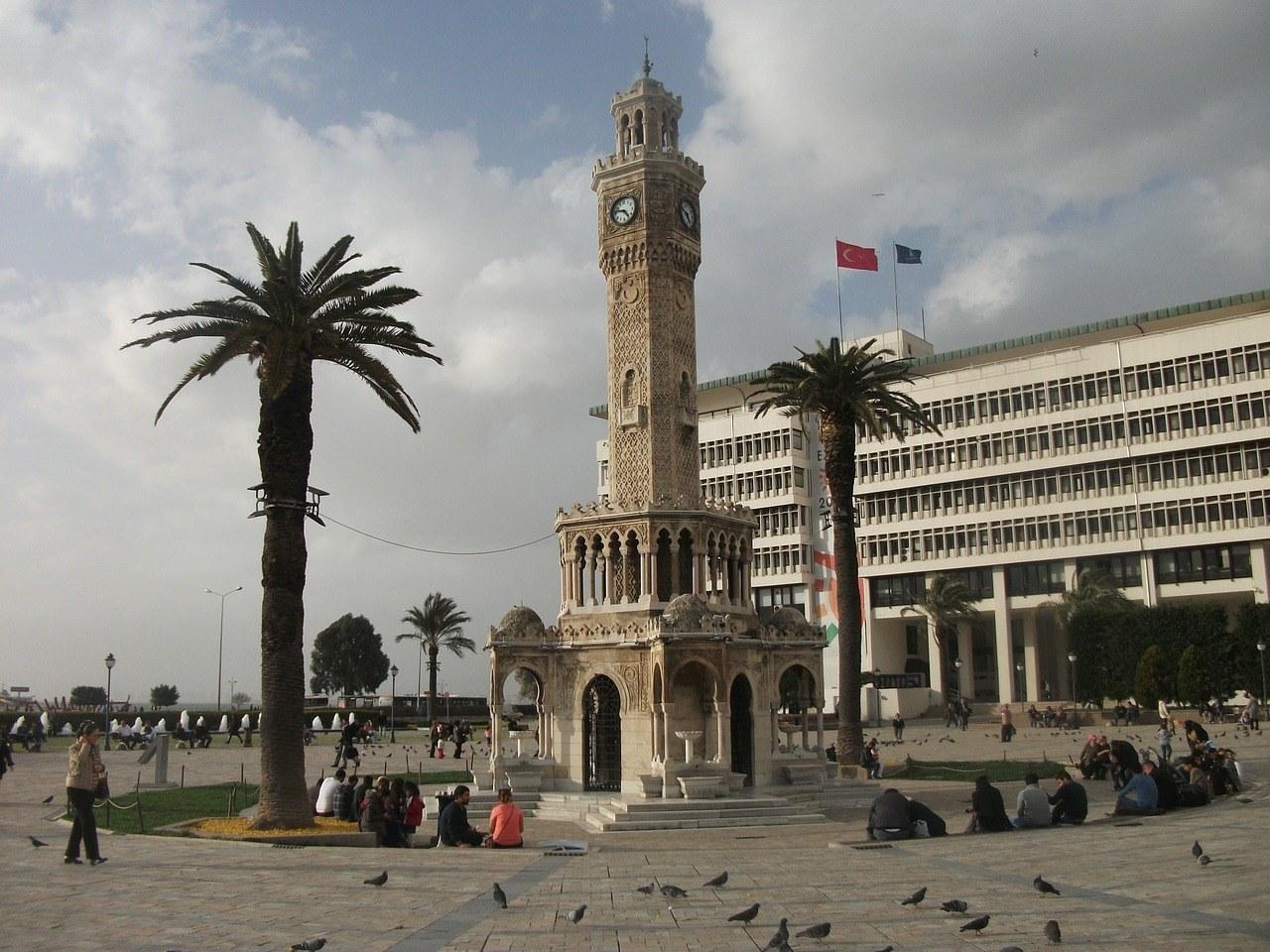 De klokkentoren van Izmir