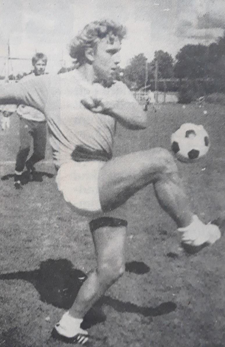 Marcel Boonstra in actie als voetballer